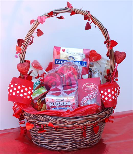Love at First Sight Basket